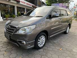 INNOVA V LUXURY BENSIN MATIC AB tgn 1