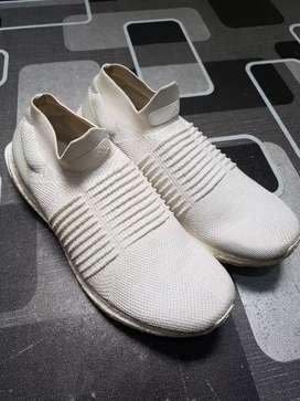 Adidas ultraboost laceless size 42