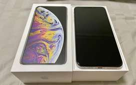 buy good condition of xs max  free home delivery  dm me fast