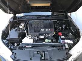 Toyota Hilux Revo Type V Automatic Km 20rb SEPRTI BARU NEGO