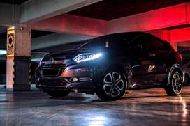 BU Honda HRV Prestige 1.8 AT abu 2015 ungu Panoramic Sunroof NEGO