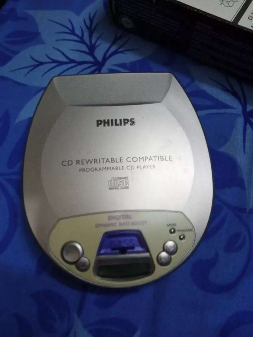 Remote cell se chalny wala cd player
