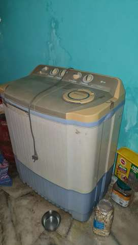 LG semiautomatic washing machine