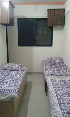 Fully furnished Pg flat in near ghansoli railway station & no brokerge