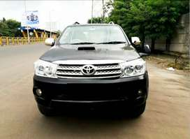 Toyota Fortuner 2011 Diesel Well Maintained (112000 kms)