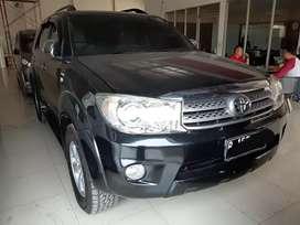 Toyota Fortuner G Diesel AT 2011 Hitam