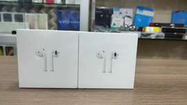 Sealed Apple Series 2 with wireless charging Case / 1year warranty