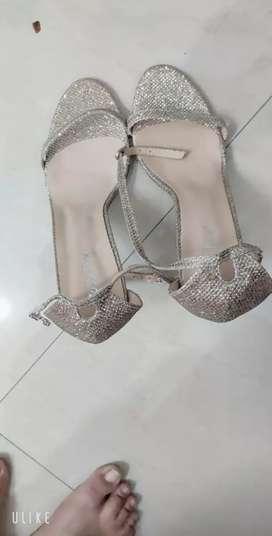 Women footwear (sandals)