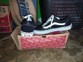Sepatu vans old school black white DT premium old school