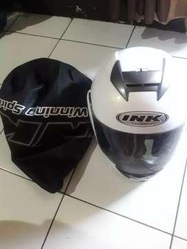 helm Ink kondisi msh baru.