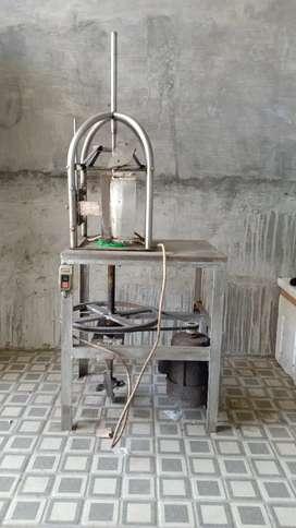 Mesin pengupas kelapa muda