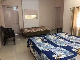 furnished room for girls near bindal pull Dehradun
