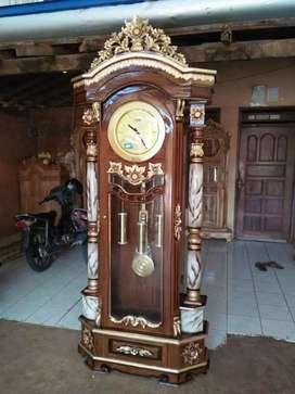 Lemari jam asli Jepara