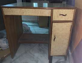 Kids study table for sell