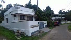Aluva purayar (thuruthu) beautyful house for sale.