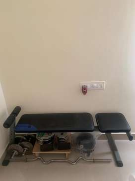 Weight training set with bench