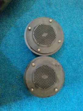 speakers, pair of antenna,handle lock and dash board cloth for bolan