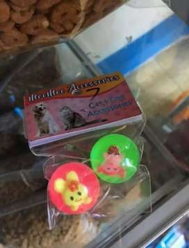 Bola mantul mainan kucing ukuran kecil isi 2