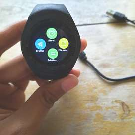 Jam tangan digital touchscreen