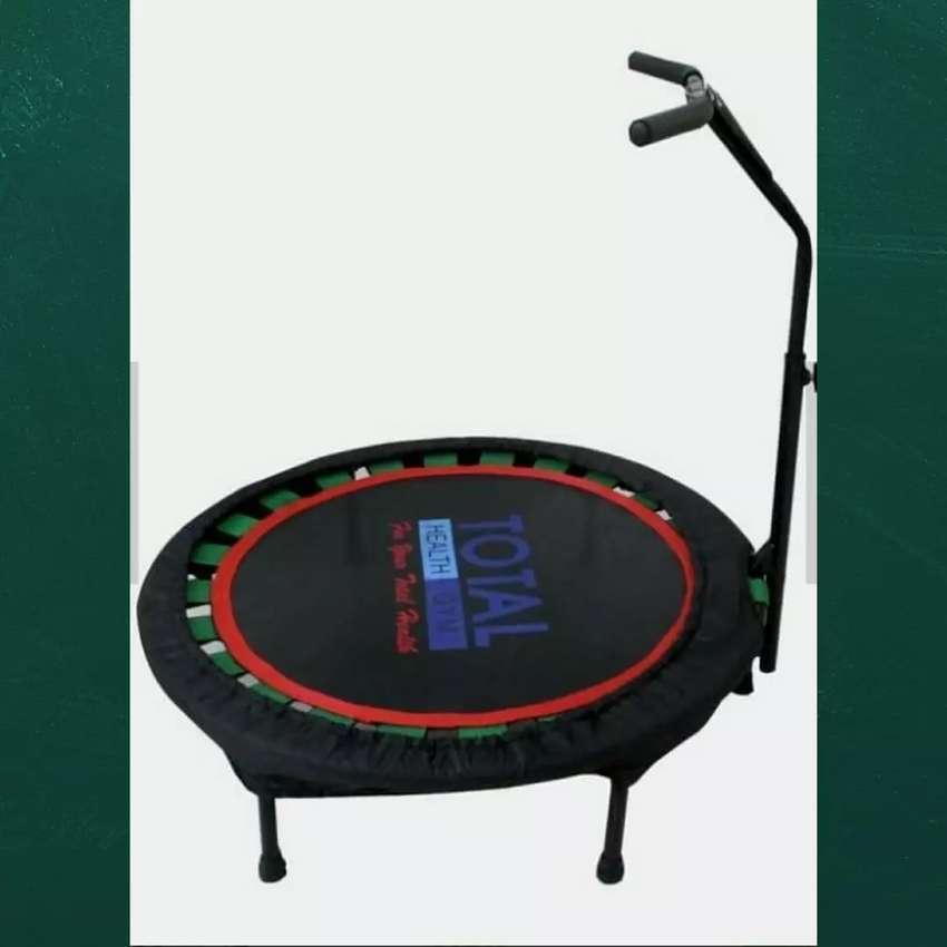 Alat fitnes trampolin bisa antar kerumah