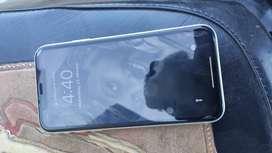 Iphone XR 64gb under warrenty