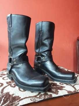 Sepatu Boots Hitam Grinders