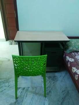 1 BED SEMIFURNISHED ROOM SINGLE GENTS PALARIVATOM JN