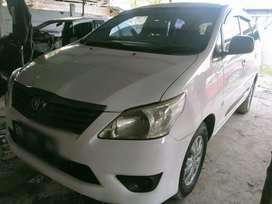 Toyota Innova E diesel