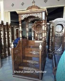Mimbar podium qubah speak tangga depan kayu jati.