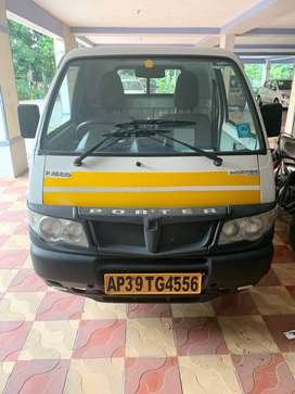 Very New Piaggio Porter 700 cc for sale