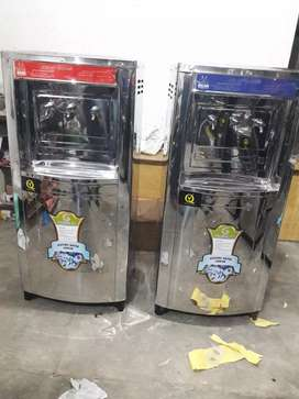 Electric water cooler for drinking
