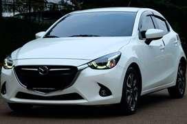 TDP 35jt Bawa Pulang Mazda 2 R Skyactive Putih 2016