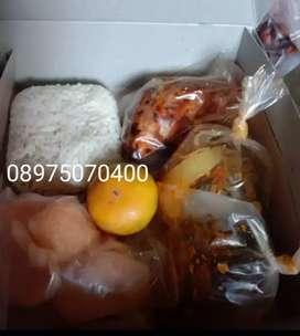 Aneka nasi kotak hemat dan komplit harga bisa menyesuaikan