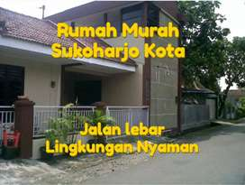Rumah murah area kampung , lokasi strategis. Jalan raya dekat