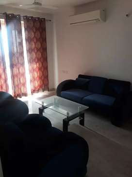 House portion 1 room let-bath fully furnished at Banipark boys allowed