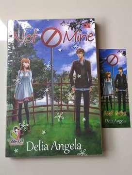 Novel Preloved : Not Mine by Delia Angela