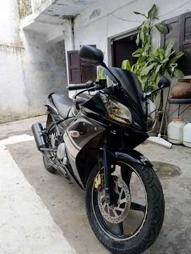 Yamaha R15 version 1 in original condition.