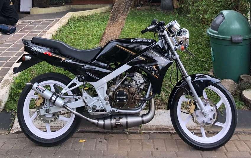 Kawasaki Ninja R 150 0