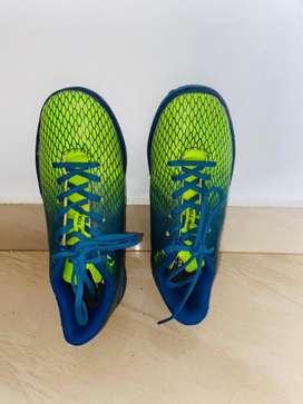 Nivia Stay Tough Training HG Football Shoes UK 5 (blue/green)
