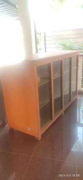 Counter Table for sale @16k neg