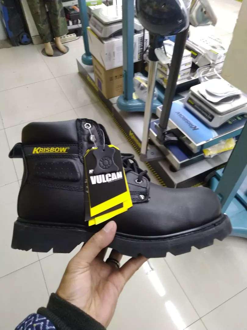 Sepatu safty krisbow volcano hitam 3/4 0