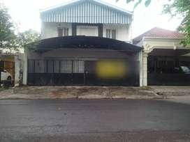 Dijual dan Disewakan Rumah Usaha di Jl Raya Pucang Anom