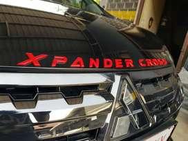 Kap Mesin Emblem Tulisan Xpander Cross