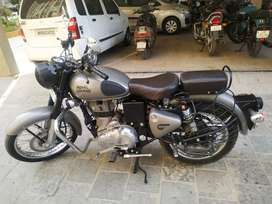 Royal Enfield Classic 350cc best Condition 1st with 3 year Insurance