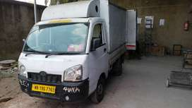 Mahindra Maxximo Mini truck with the container