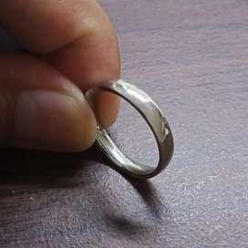 Cincin Pernikahan Laki Laki [BISA COD, BAHAN TIDAK MUDAH LUNTUR]