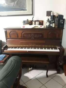 Jual cepat dan murah piano  young chang