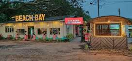 Female sales Grl in seafood restaurant