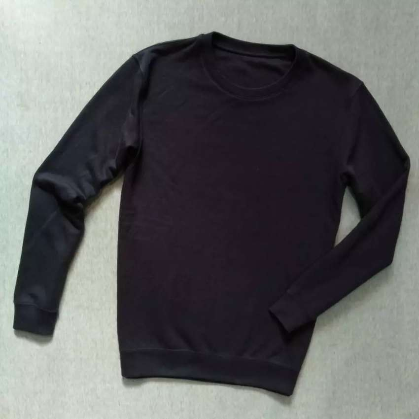 UNIQLO Original sweater crewneck size L fit M Good 0