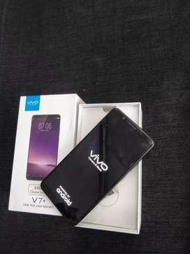 Vivo v7 plus black/4/64gb